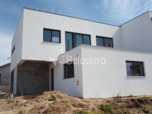 Casa de Habitação em Gavinhos de Cima