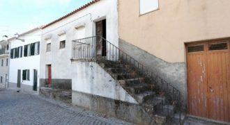 2 casas de habitação em Torrozelo