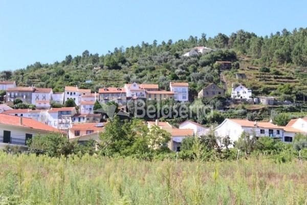 Casa de habitação em Vila Cova à Coelheira