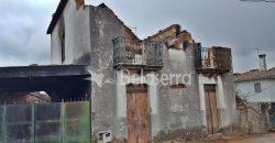 Casa de habitação em granito para recuperar 188m2
