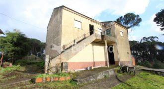 Casa em Vila Nova de Tázem