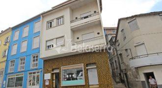 Edifício de habitação/comércio em Seia