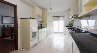 Apartamento T4 em Gouveia