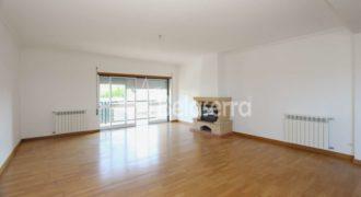 Excelente apartamento T4 no centro de Seia