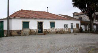 Casa de habitação em Tourais